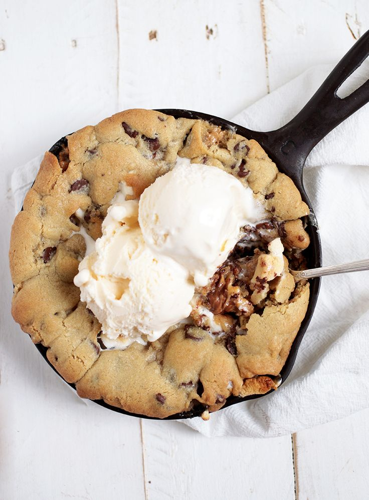 Peanut Butter Smores Skillet Cookie @themerrythought