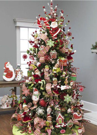 597 best christmas trees images on pinterest for Beautiful decorated christmas trees