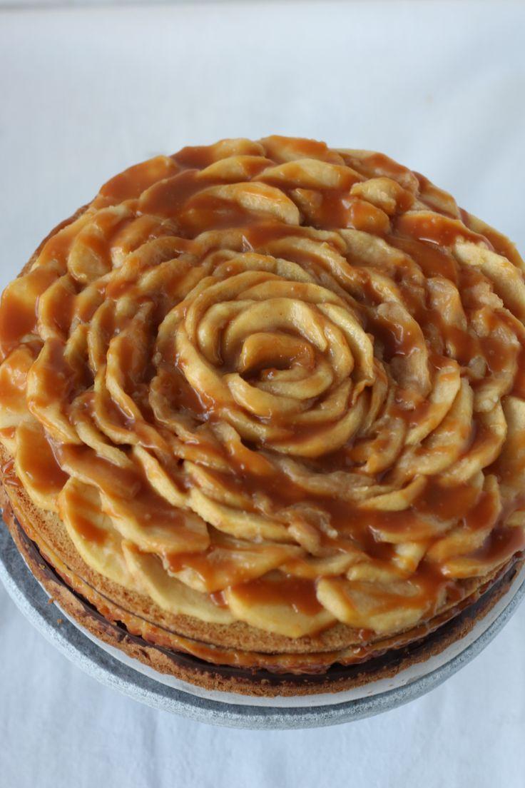 Wauw, deze appel karamel cheesecake ziet er mooi uit. Die zal vast lekker smaken!