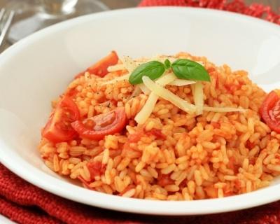 Risotto aux tomates et au basilic (facile, rapide) - Une recette CuisineAZ