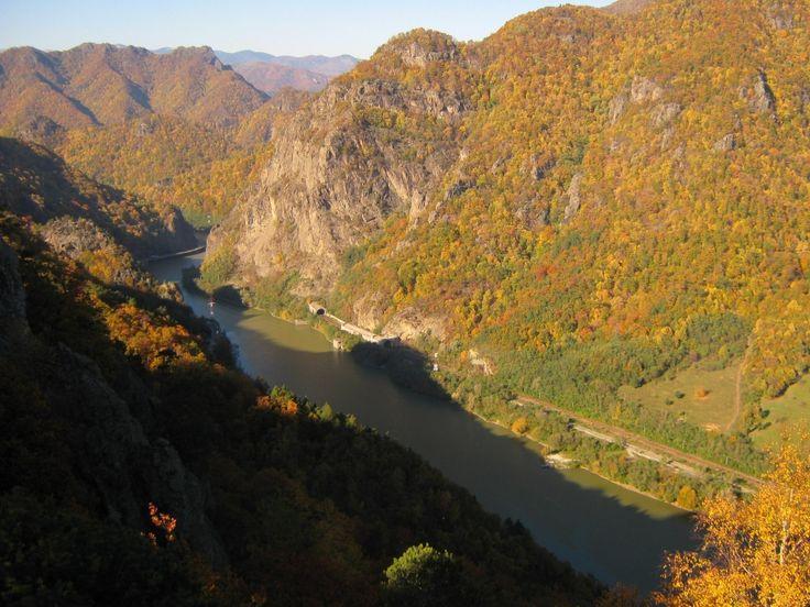 Valea Oltului toamna