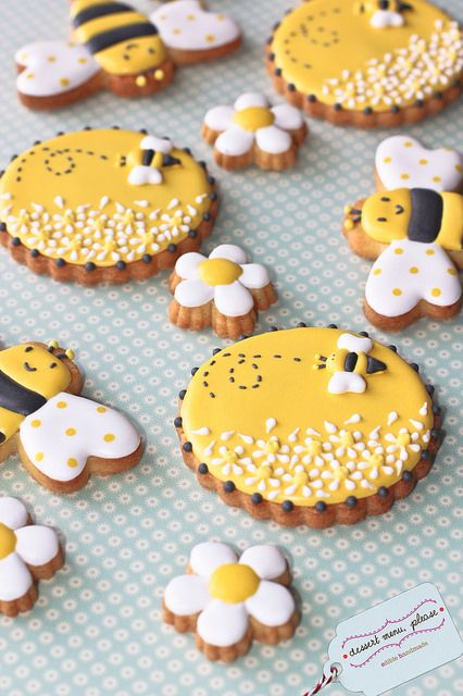 honey bee cookies~          By dessert menu please, Yellow black