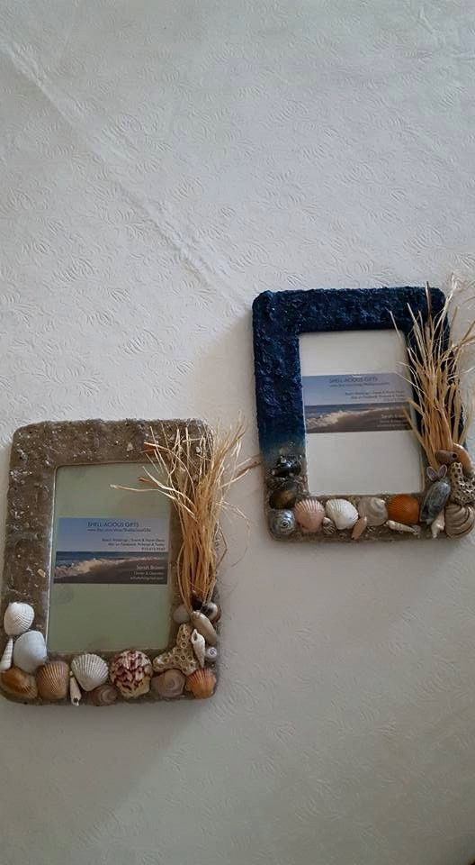 These two picture frames are ready to ship! Great Father's Day gifts for the office for family photos smile emoticon They are both 4x6 and wall hanging display!