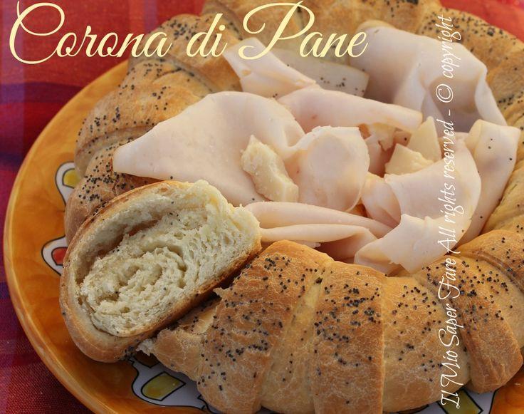 Corona di pane centrotavola: buono e scenografico. Pane fatto in casa ricetta facile con una forma particolare che lo rende giusto per la tavola delle feste