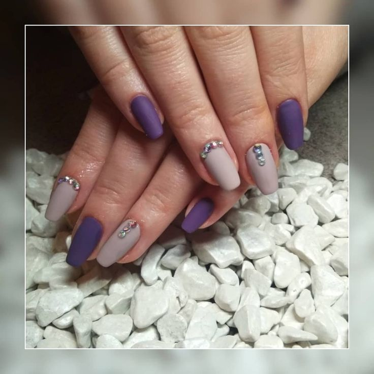 #shellacnails #longnails #purplenails #greynails #swarovski #balerinashape #mattenails #cutenails #magdaKnailArtist