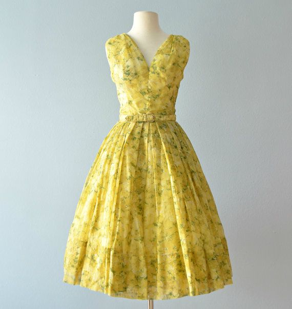 Hey, I found this really awesome Etsy listing at https://www.etsy.com/listing/492307837/1950s-party-dressgigi-young-floral