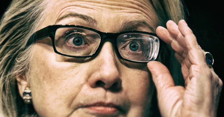 DOES HILLARY CLINTON HAVE PARKINSON'S DISEASE? We can all see that she has some very serious health problems