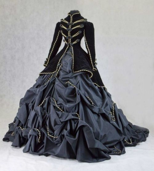 Now THAT'S a dress.