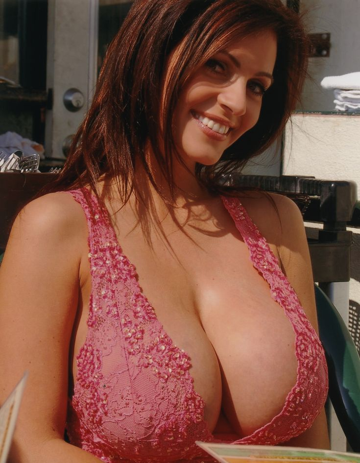 Sexy girlfriend loves to be photographed nude outdoors fabulous all natural breasts