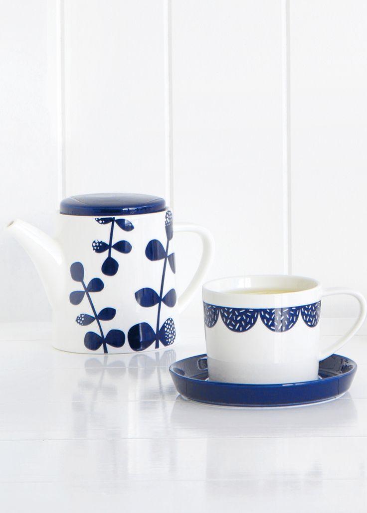 Enjoy a gorgeous Swedish tea break with this printed Tea Pot and Tea Cup