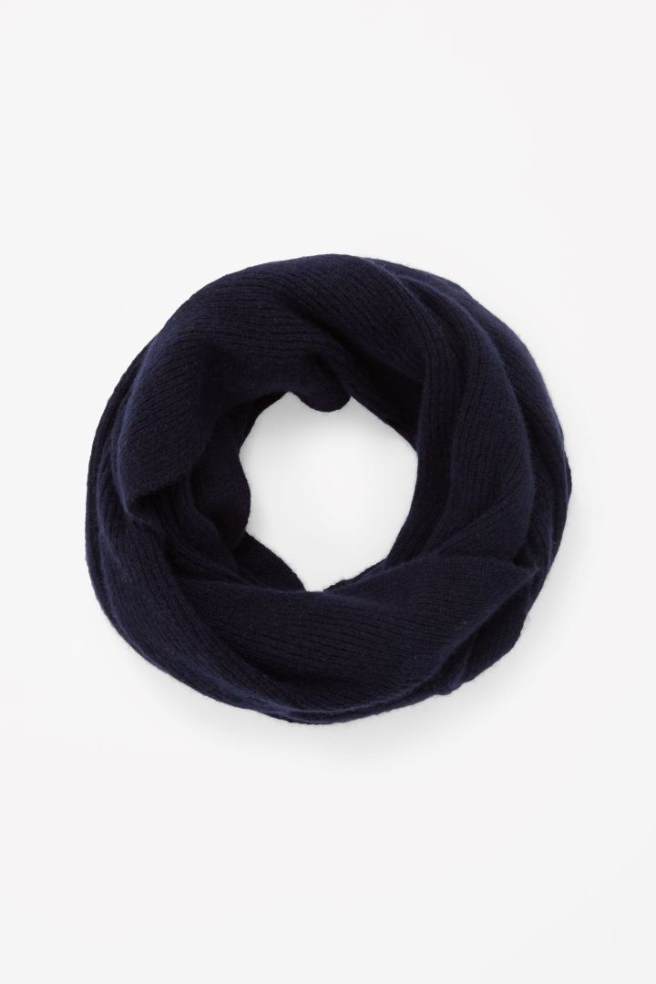COS | Ribbed cashmere snood