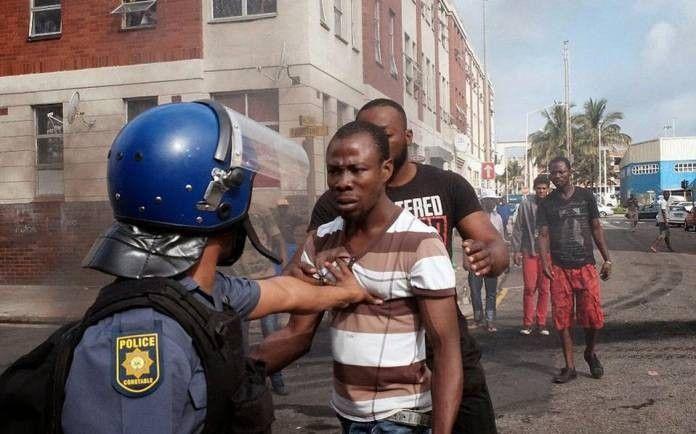 Kύμα ξενοφοβικών επιθέσεων στη Νότια Αφρική: Κύμα ξενοφοβικών επιθέσεων έχει ξεσπάσει το τελευταίο διάστημα στη Νότια Αφρική, με τελευταίο…