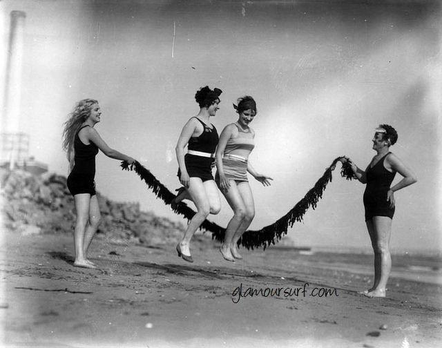 Glamoursplash: Seaside Fun 1928