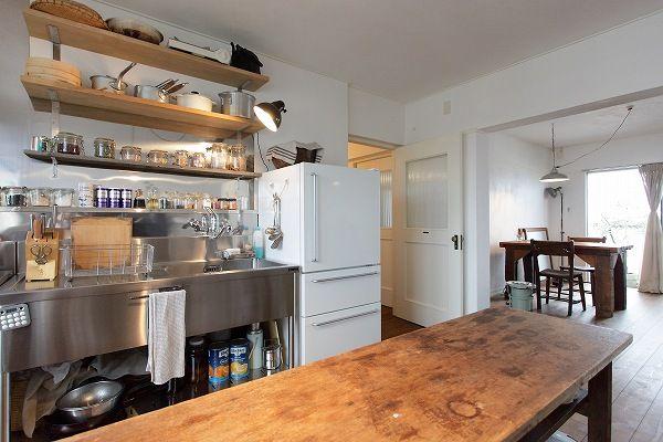 名古屋市天白区の松美建設の手がける、古い公団リノベーション スケルトンリフォーム オープンキッチン 業務用ステンレス 見せる収納