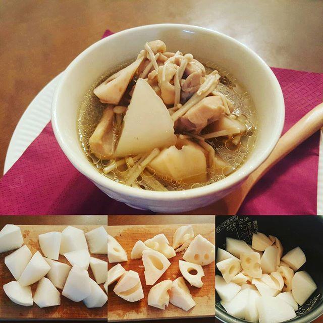 2016/11/03 06:36:50 akc_iwasaki 『アロマクッキング♪』&『雑穀生活♪』 『簡単あったか雑穀スープ』レシピNo.1  あまりお腹が空いていないっていうさりちゃん‥‥ なので夜ご飯は根菜のはいったスープに 炊飯器で簡単に出来て ミネラルも摂れちゃうし 身体に優しい雑穀も入ってる🎵  ①大根 蓮根を乱切りにして  みずにさらします  ②少ししたらザルにあけます  つづく‥‥ #アロマクッキング#アロマ#クッキング#ドテラ#ドテラミネラル#ミネラルプレーン#料理#炊飯器料理 #炊飯器#簡単#レシピ#根菜#野菜#スープ#雑穀#美容#健康#ヘルシー#デトックス#ダイエット#akikoiwasaki  #健康