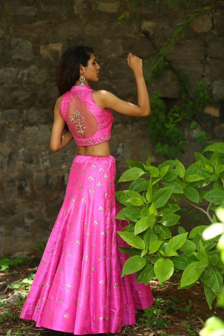 Shout out to all the pink lovers! Beautiful pink lehenga and designer crop top from Nallamz.call @ 9966661159. 10 July 2017