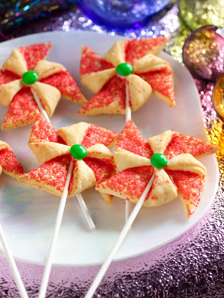 22 best images about food network kids food on pinterest for Food network 50 bar cookie recipes