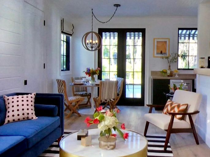The Property Brothers Reveal 5 Things Guests Go Gaga For In A Home Property Brothers Living Room Hgtv Living Room Design Hgtv Living Room #property #brothers #living #room #ideas
