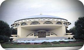 Frank Lloyd Wright. Annunciation Greek Orthodox Church. Wauwatosa, EEUU. 1956