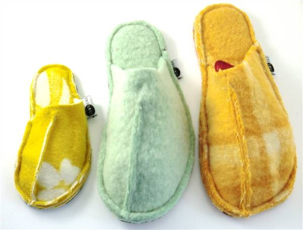 Home slippers made out of old woolen blankets (produced in The Netherlands by Detailburo & Haeghegroep)