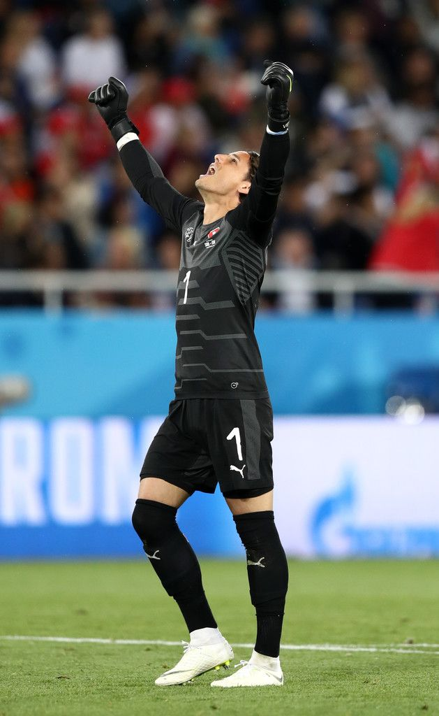 Yann Sommer Photos Photos Serbia Vs Switzerland Group E 2018 Fifa World Cup Russia Fifa World Cup Fifa Free Sport