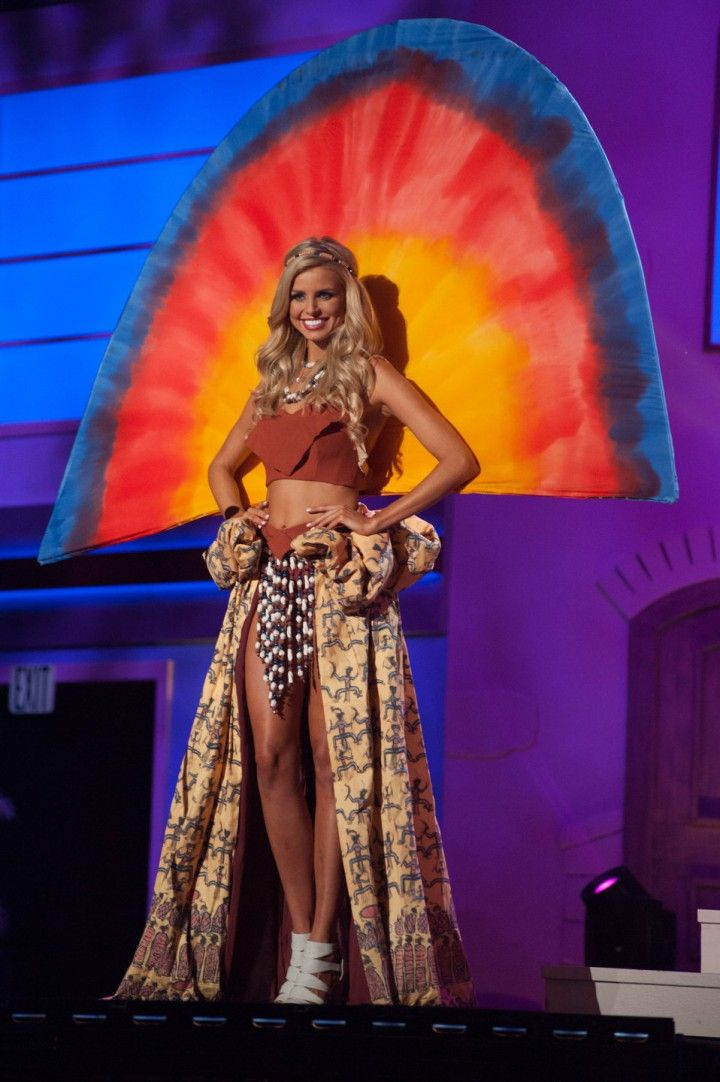 costumes traditionnels miss univers 2015 (5)