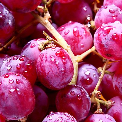 Common fruits like apples, grapes, blueberries, and strawberries can help lower cholesterol, reduce cancer risk, get rid of body fat, and more. Try these healthy fruits today.