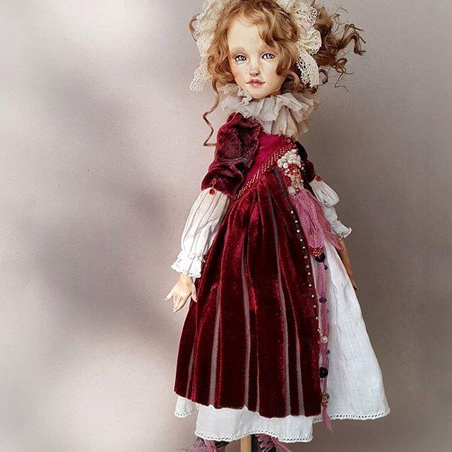 КИРА КИНАШ boudoir Dolls Art Dolls Флер Де Лиз. папье-маше,  керапласт, бархат и антикварные кружева.   #куклыкиры #дольки_радуги #бархатноеплатье #барышнякисейная #декордома #украшение #интерьер #дорогойподарок #коллекционнаякукл
