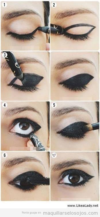 Maquillaje de ojos en negro intenso utilizando eyeliner, paso a paso