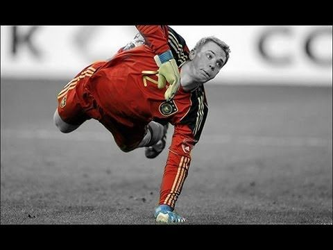 Top 10 Goalkeepers in the World 2013 |HD|