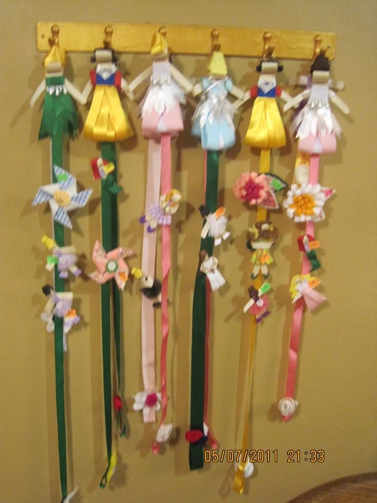 Colgantes para mo os y diademas hechas por ana cosas - Ideas para colgar diademas ...