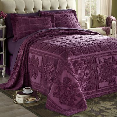 For a look that's as refined as your tastes, choose the gorgeous jewel tones of this intricate chenille. The subtle mosaic pattern creates a decorative bedspread and sham that feel as good as they look. Mosaic Chenille Bedspread from CountryDoor