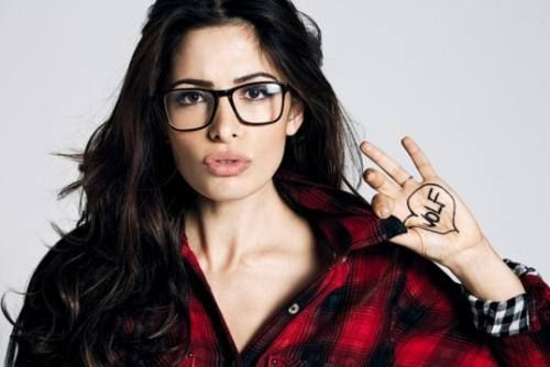 LOVE these glasses…  hipster glasses 16 Stars getting hipster tized (34 photos)