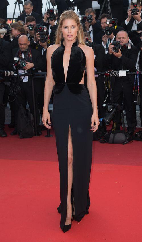 Doutzen Kroes, égérie L'Oréal Paris, en robe Brandon Maxwell de la collection automne-hiver 2016-2017