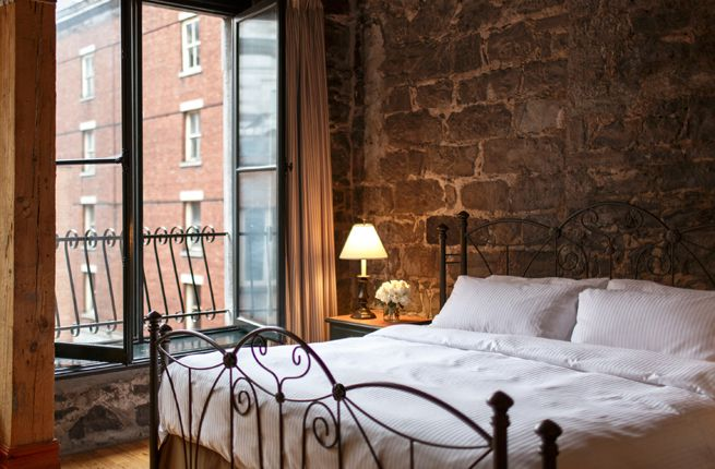 Best 25 romantic hotel rooms ideas on pinterest for Small romantic hotels