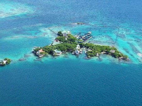 Islas del Rosario cartagena, colombia...sooooo excited to go here!  Te amo colombia!!