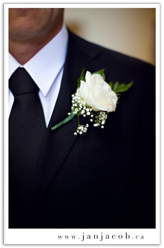 Boutonniere #jevelweddingplanning Follow Us: www.jevelweddingplanning.com www.pinterest.com/jevelwedding/ www.facebook.com/jevelweddingplanning/ https://plus.google.com/u/0/105109573846210973606/ www.twitter.com/jevelwedding/