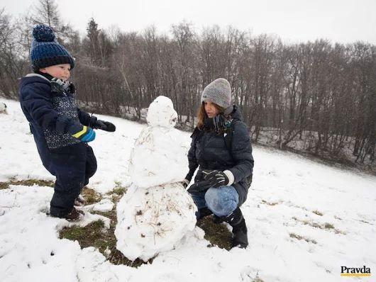 PRANOSTIKA NA NEDEĽU 12.3.: Na Gregora, ak padne trochu snehu, je sa čo tešiť úrode švábky