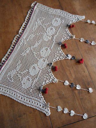 rideau cantonnière 100% fait main création originale BY FOUXELLE   modèle personnel motif cerises crocheté avec soins  légèreté et charme garantis.....  rideau façonn - 17160420
