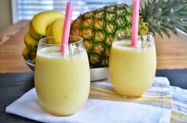 Banana-Pineapple Smoothie (6 Points+)