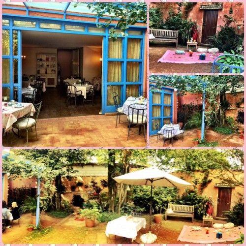 Teakettle. Tem vários espaços, tanto fechado como aberto. Tem até um lugar bem romântico para fazer um piquenique surpresa para a gato. #ficaadica