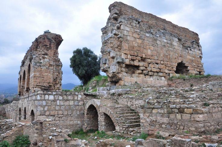 Tralleis/ Roma dönemi Gymnasyum hamamından kalıntılar