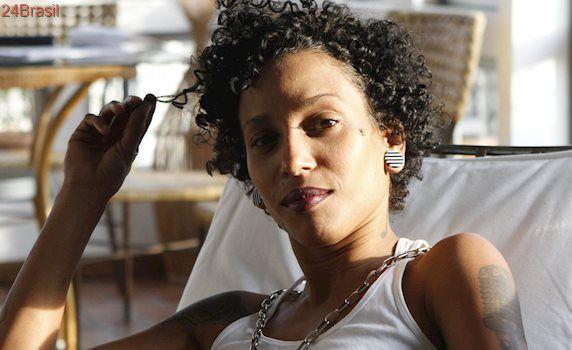 Esta rapper lançou um versão lésbica do funk 'Deu Onda'. E as minas estão adorando