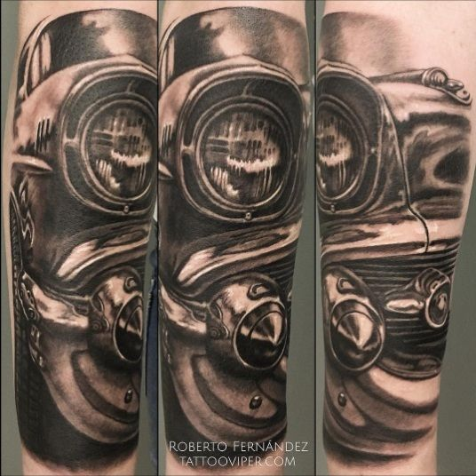 Done at @tattooviper with @artdriver_tattoomachines #blackandgreytattoo #realism #chevy #cadillac #tattoo #ink #inkedup #tatuaje #tattooartist #art #tattooart #besttattoo #instatattoo #tattoopic #bestpic #tattooconvention