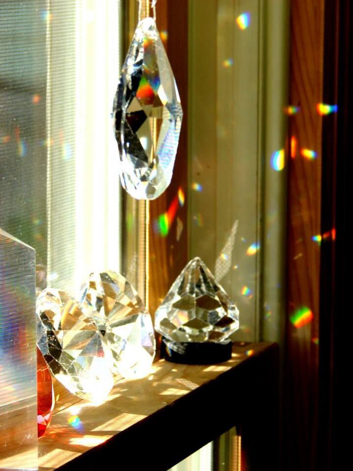 Exploring crystals with natural light at Casa Maria's Creative Learning Zone  ≈≈