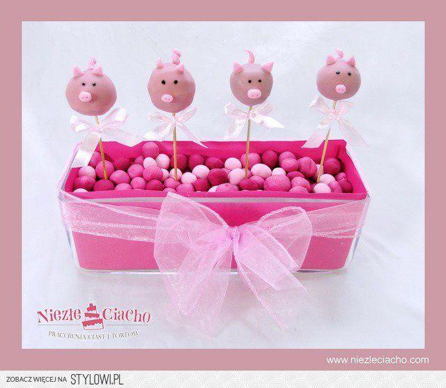 Słodki stół dla dzieci, słodkie stoły, urodziny dziecka, prosiaczki, świnki, tort urodzinowy, przyjęcie urodzinowe, ciastka dla dzieci, ciasteczka, Tarnów, przyjęcie urodzinowe w Tarnowie
