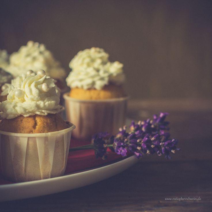 Gehen schnell und bereiten Freude - die guten alten Zitronencreme-Cupcakes ;)