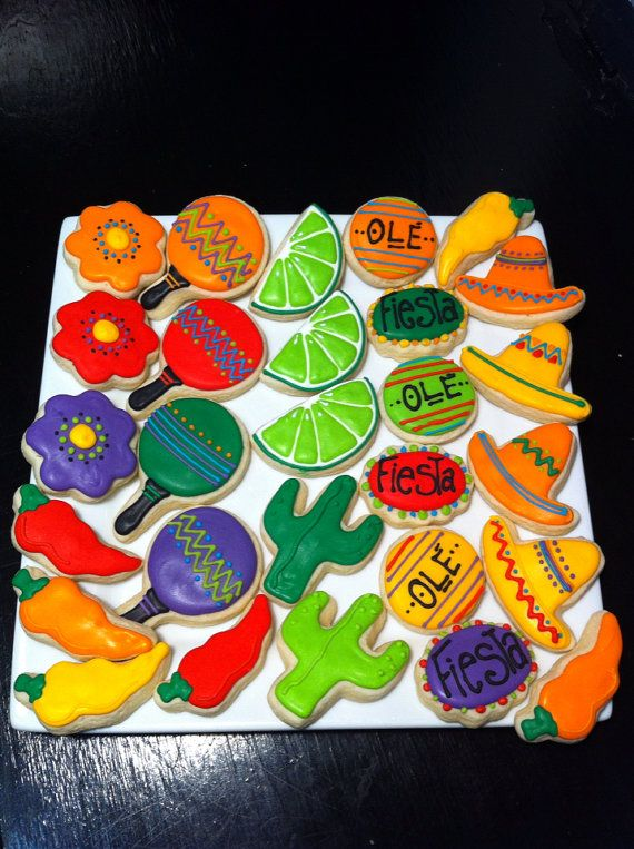 Galletas mexicanas decoradas. Mexican fiesta ole party. Mini 3 dozen decorated cookies.