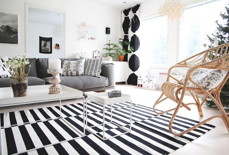 sisustusblogi hunajaista olohuone livingroom rest sohva room muuto marimekko kivet hay poyta parolan rottinki