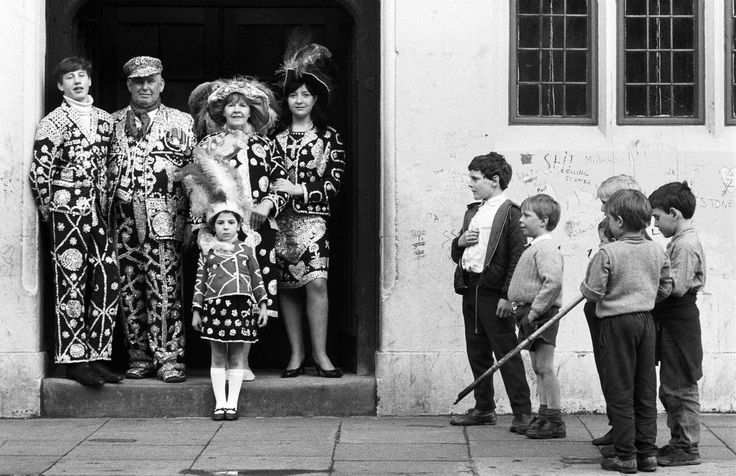 Patrick Ward : Pearly King and Queen and family in East London, England.